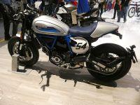 k-P1000215